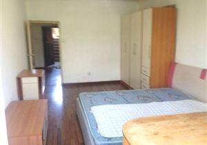 依翠园一居室 紧邻一号线52.88平米稳定出售