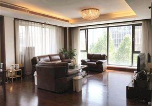 红玺台南北西三面采光的三居,家具家电齐全,采光充足,看房方便