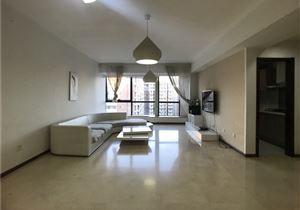 崇文门、国瑞城公寓、全天安保、挨着轻轨、客厅朝东、集中供暖、